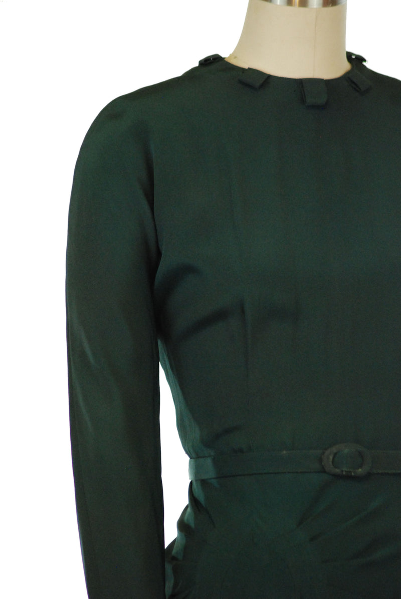 Sophisticated 1940s Deep Green Dress with Asymmetric Draping and Pass-Through Collar