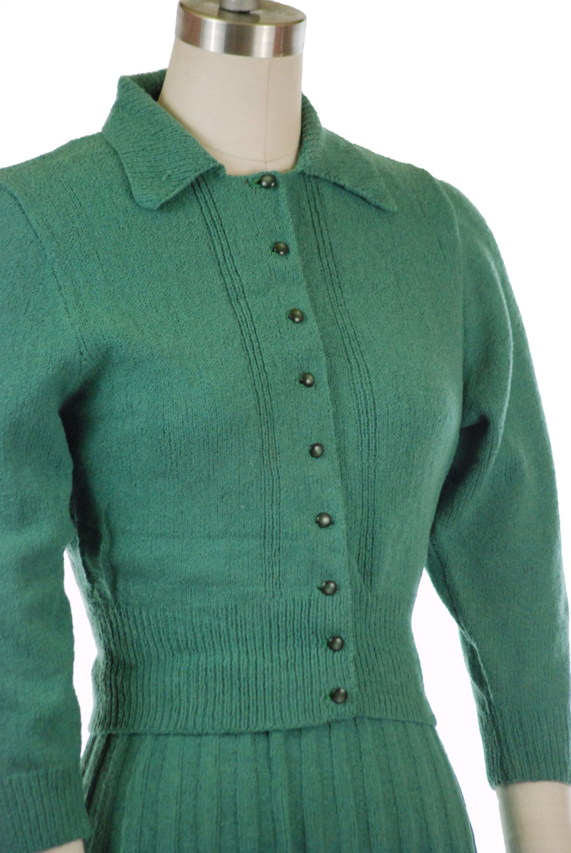 Fantastic Early 1950s Sage Green Sweater Set of Silk Yarn