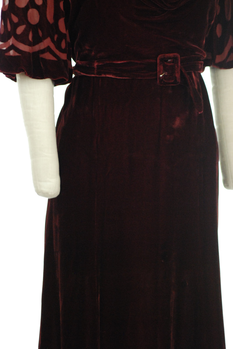 Exquisite 1930s Silk Velvet Dress in Burgundy with Cut Velvet Devoré Sleeves