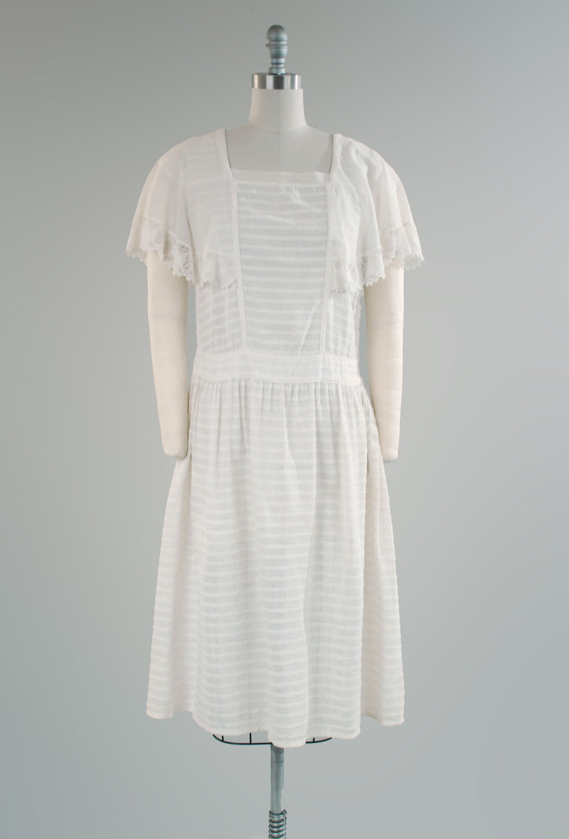 Sturdy 1920s White Cotton Day Dress with Wide Collar