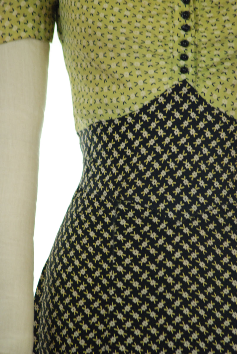 Delightful Late 1930s Homemade Chartruese and Navy Blue Rayon day Dress
