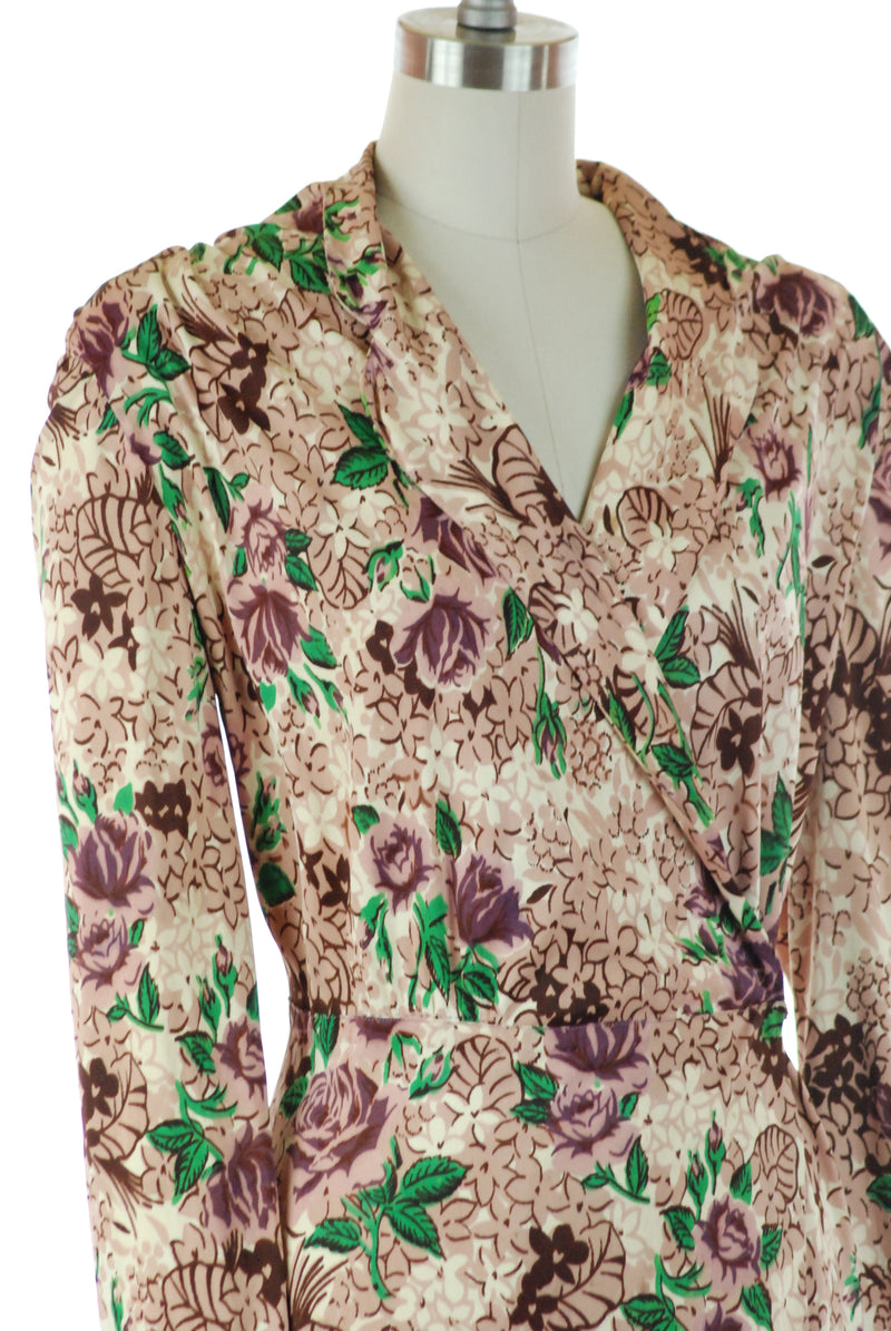 Glorious 1940s Rayon Jersey Wrap Style Dressing Gown Robe with Purple Roses