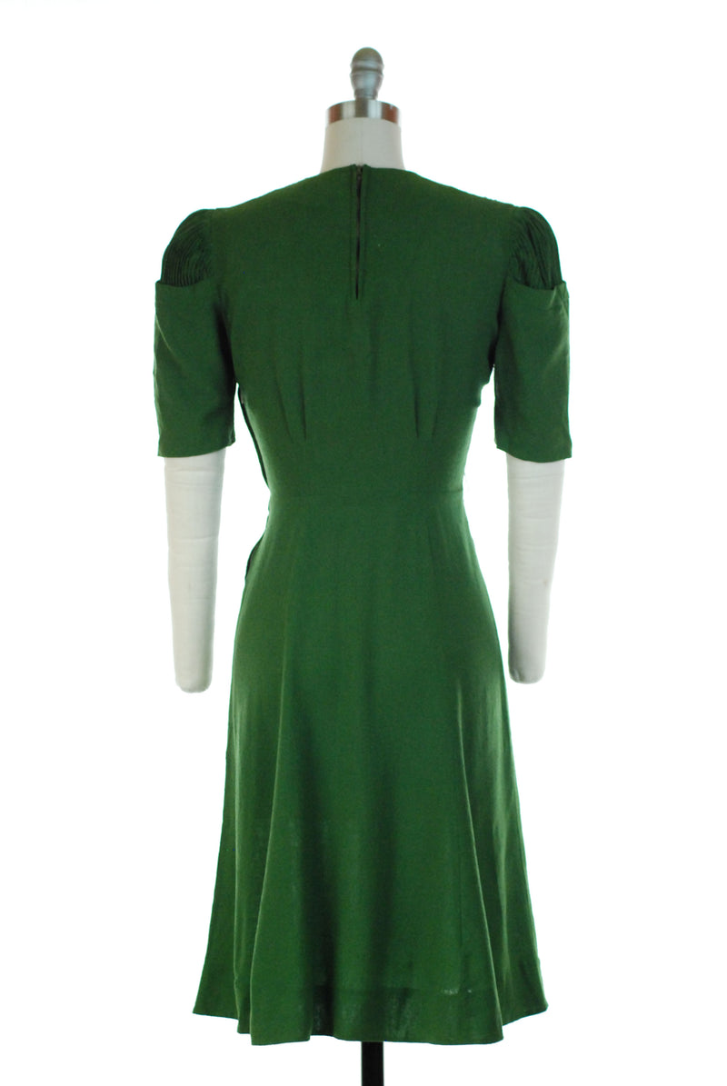 Rare and Fantastic Late 1930s Puff Sleeve Dress in Saturated Green Noil Silk