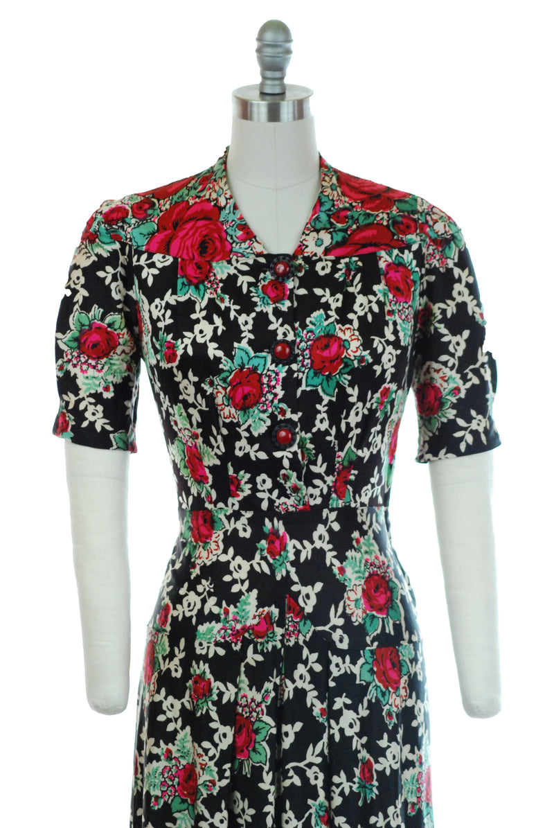 Stunning Late 1930s Rayon Jersey Day Dress with Bold Rose Border Print