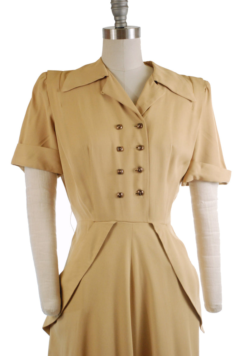Smart 1940s Post War Gabardine Day Dress with Hip Pockets and Double Breasted Closure