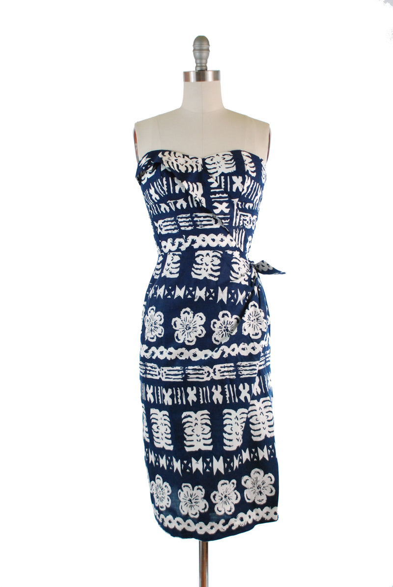 ON HOLD Killer 1950s Royal Hawaiian Sturdy Cotton Sarong Dress in Navy and White Batik