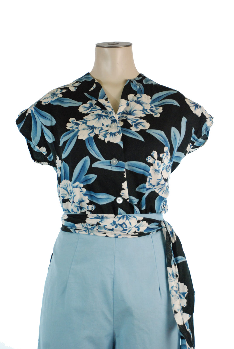 Killer 1950s Three Piece Hawaiian Sportswear Set with Blouse and Two Pairs of Pants