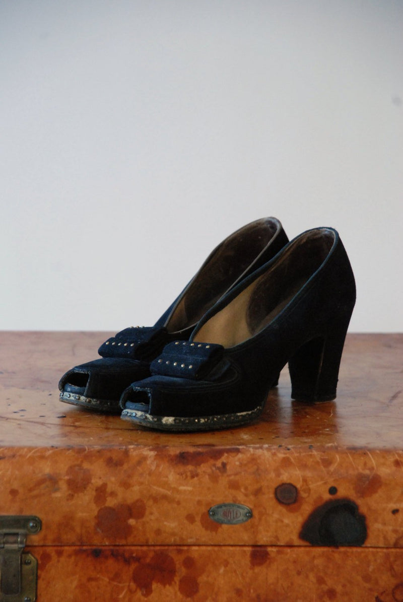1940s Shoes  - Vintage 40s Black Suede Platform Pumps with Studded Platform and Vamp Size 6.5 Narrow