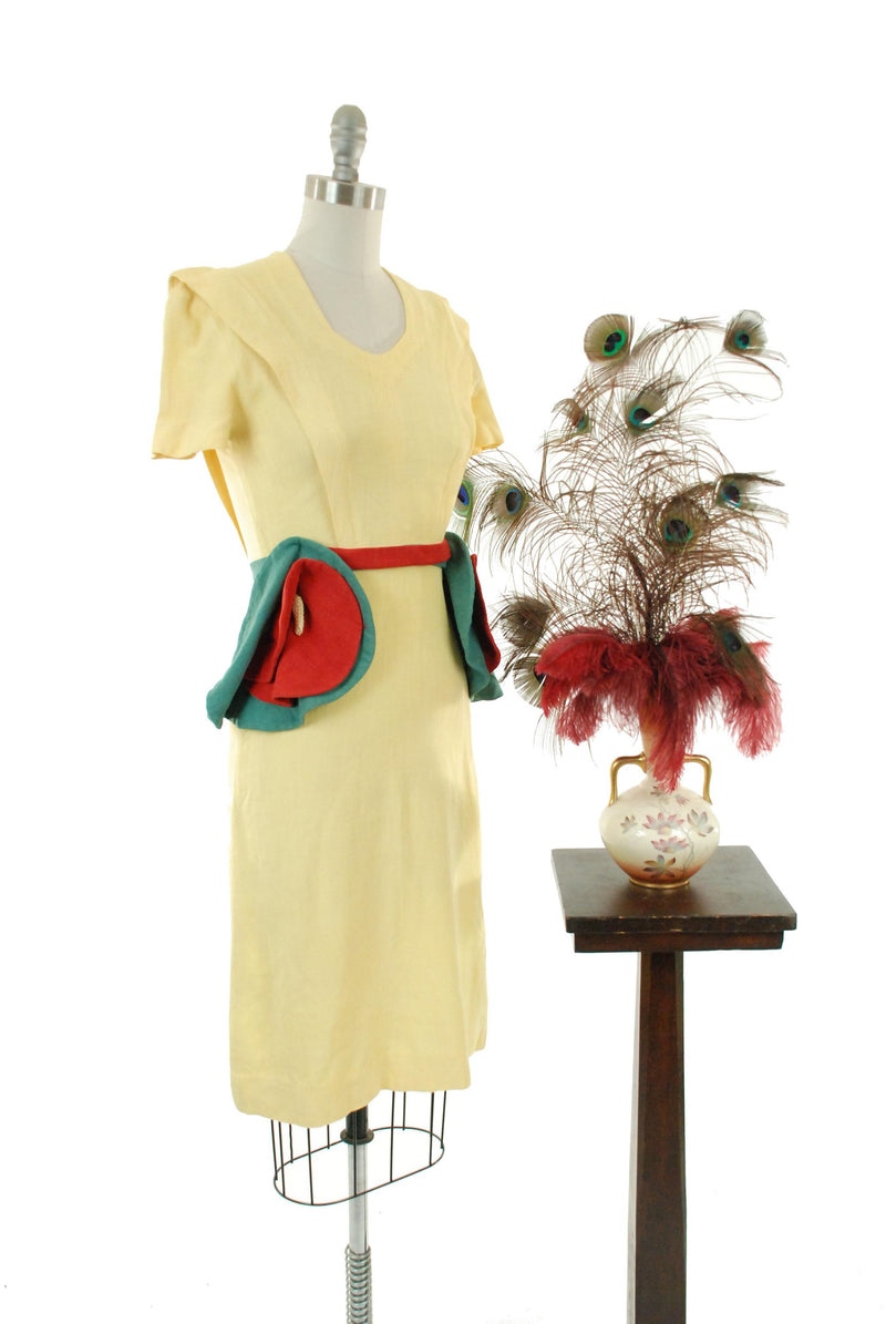 Vintage 1940s Dress - Wonderful Restored & Dyed 40s Linen Day Dress in Butter Yellow with Colorblock Anthurium Hip Accents