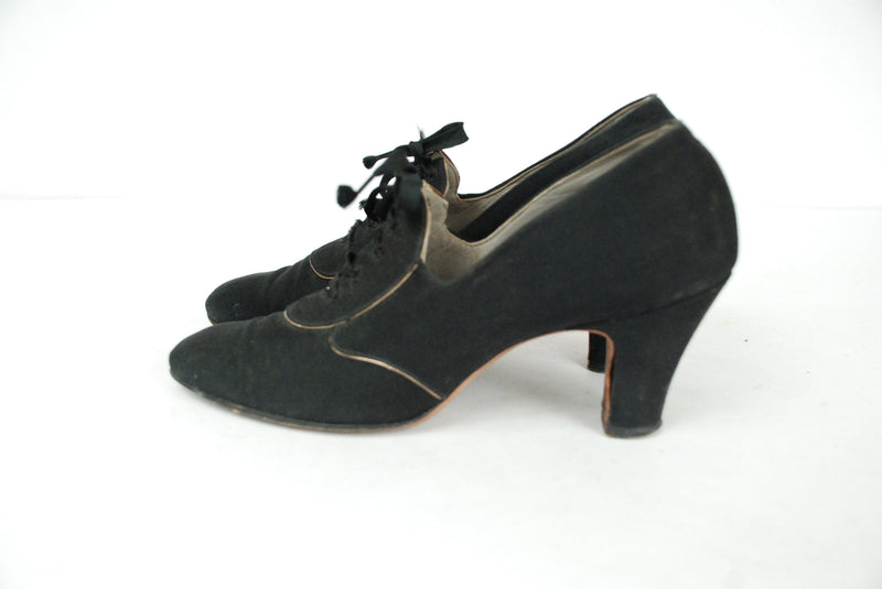 Vintage 1930s Shoes -Early 30s Black Canvas Oxfords with Gold Trim Size  4.5 N