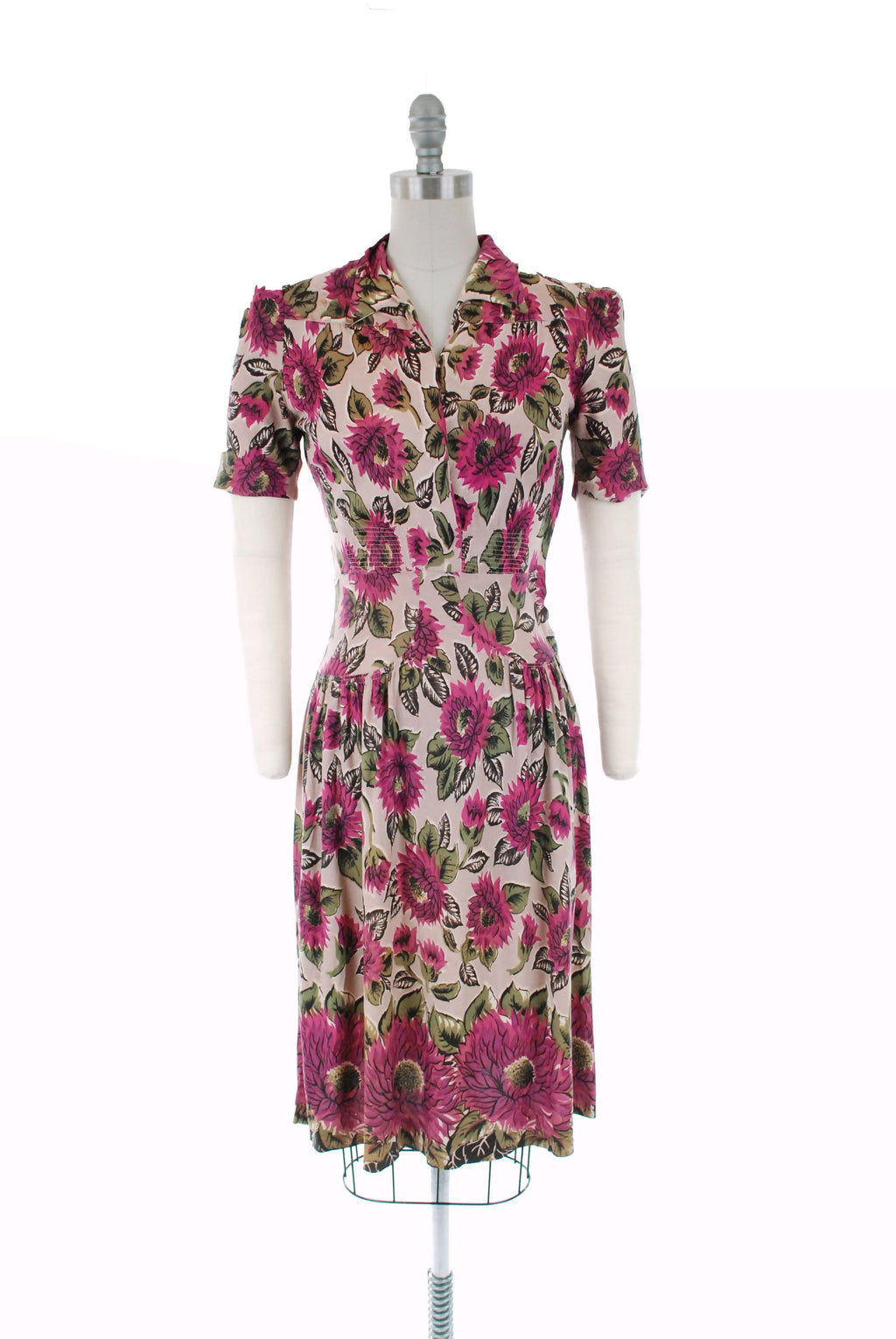 1940s Vintage Dress - Saturated 40s Rayon Jersey Day Dress in with Fuchsia and Purple Chrysanthemum Border Print