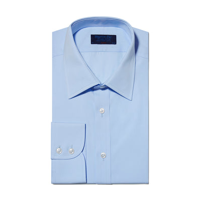 Classic fit, Classic Collar, Two Button Cuff Shirt In Light Blue Poplin