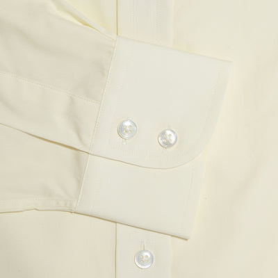 Classic Fit, Cut-away Collar, 2 Button Cuff Shirt in a Plain Cream Poplin Cotton