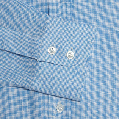 Contemporary Fit, Button Down Collar, 2 Button Cuff Shirt in a Blue & White Houndstooth Linen