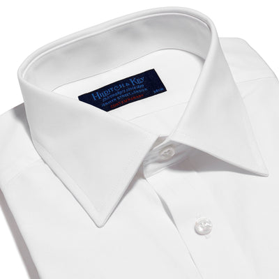 Contemporary Fit, Classic Collar, Double Cuff Shirt in a Plain White Poplin Cotton