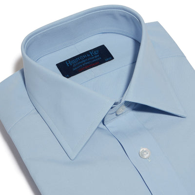 Contemporary Fit, Classic Collar, 2 Button Cuff Shirt in a Plain Sky Blue Poplin Cotton