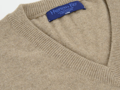 Plain Dark Natural 2-Ply Cashmere V-Neck Pullover