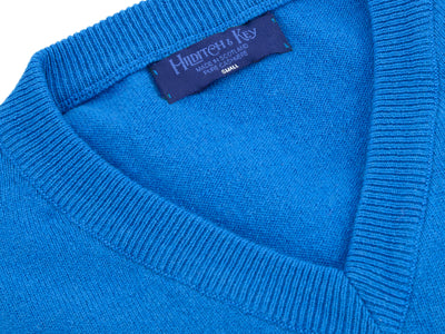 Plain Blue 2-Ply Cashmere V-Neck Pullover