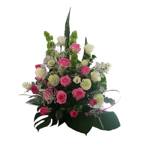 Beautiful Pink Roes, go with green carnation, Liss and other mix flower.