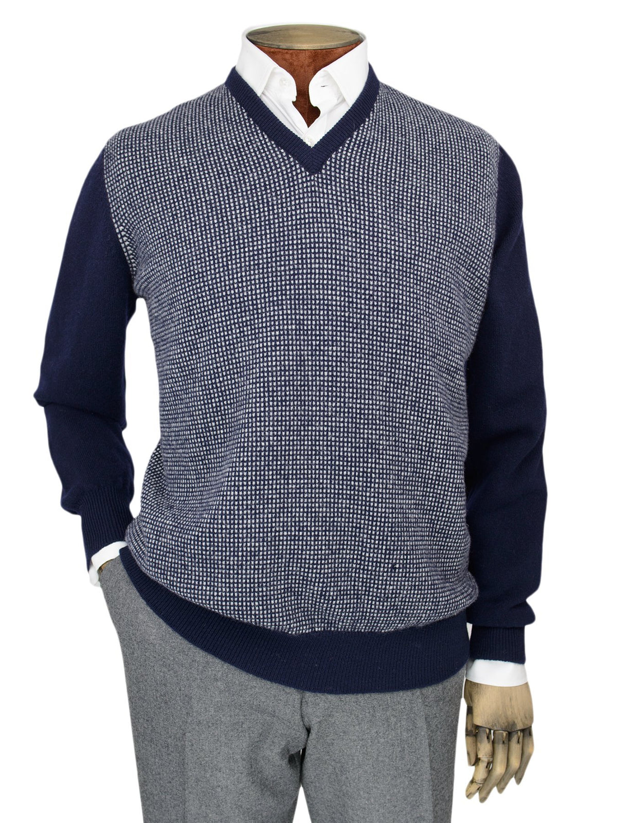 Navy 2-Ply Lambswool V-Neck Pullover