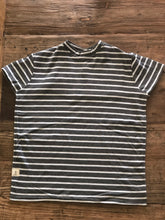 T-Shirt - White & Grey Stripe Small