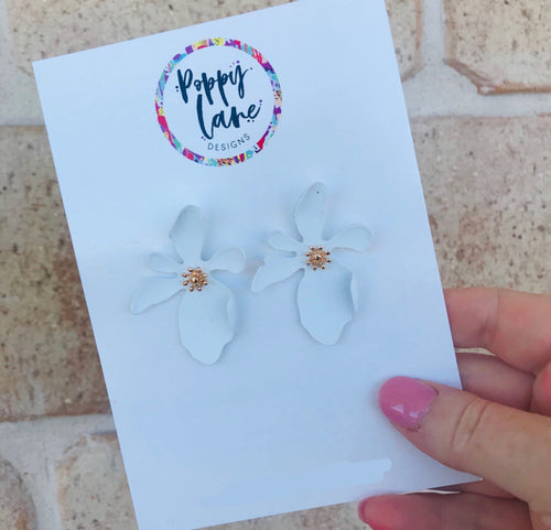 Floral Earring- White
