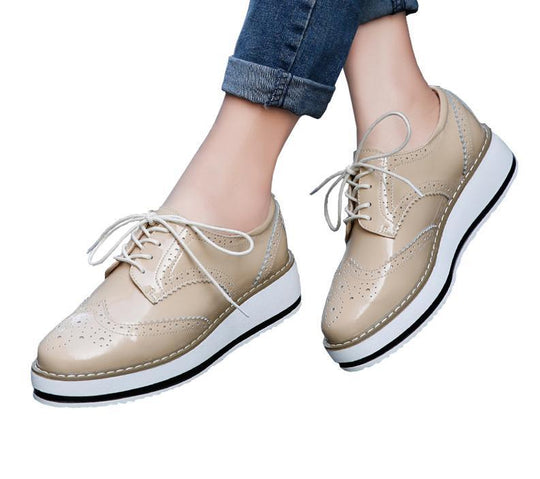 Woman Brogue Patent Leather Flats Lace Up