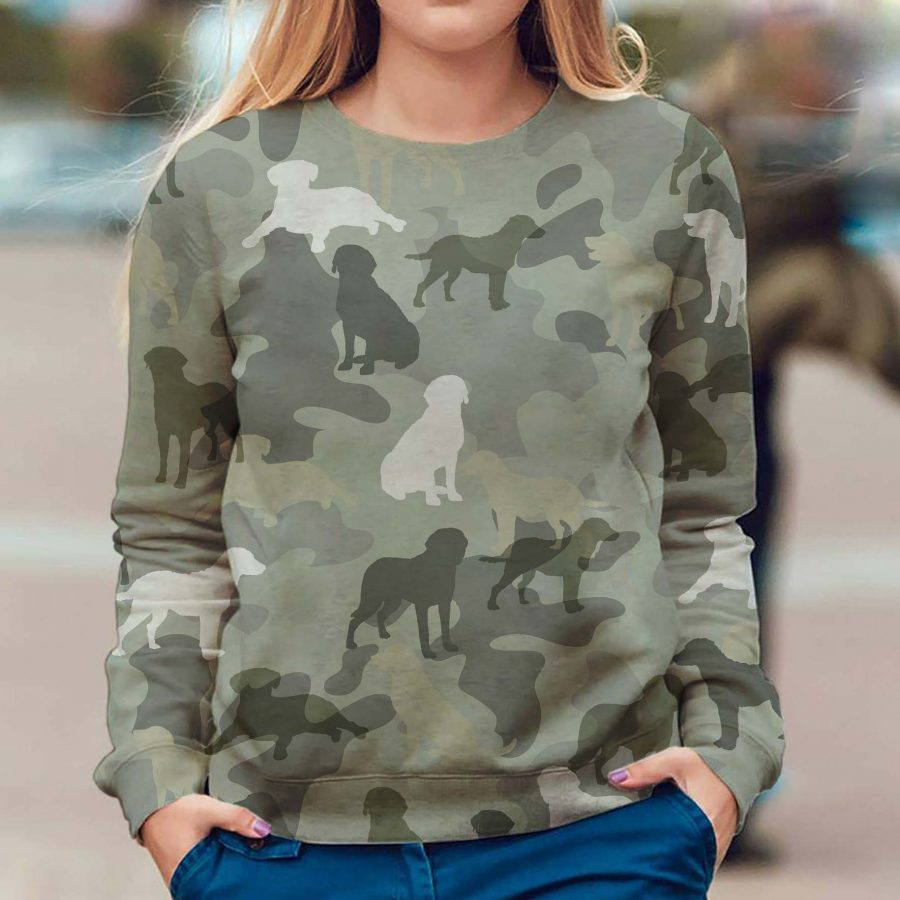 Chesapeake Bay Retriever - Camo - Premium Sweatshirt