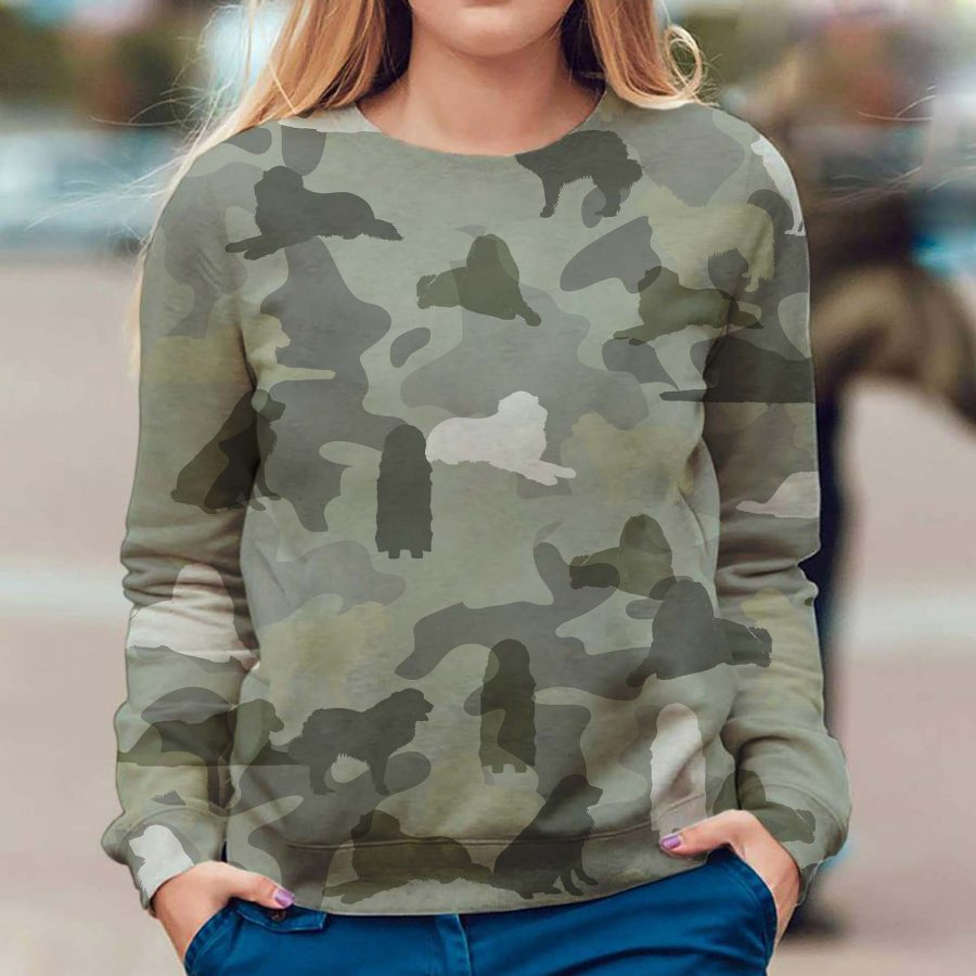 Great Pyrenees - Camo - Premium Sweatshirt