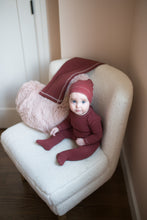 Load image into Gallery viewer, BEE AND DEE RUST RED CLASSIC RIBBED STRETCHIE AND BONNET