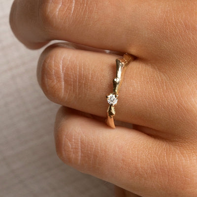 AURUM Icelandic Jewelry - Kolga Wedding Ring with Lab Grown Diamond - Closeup