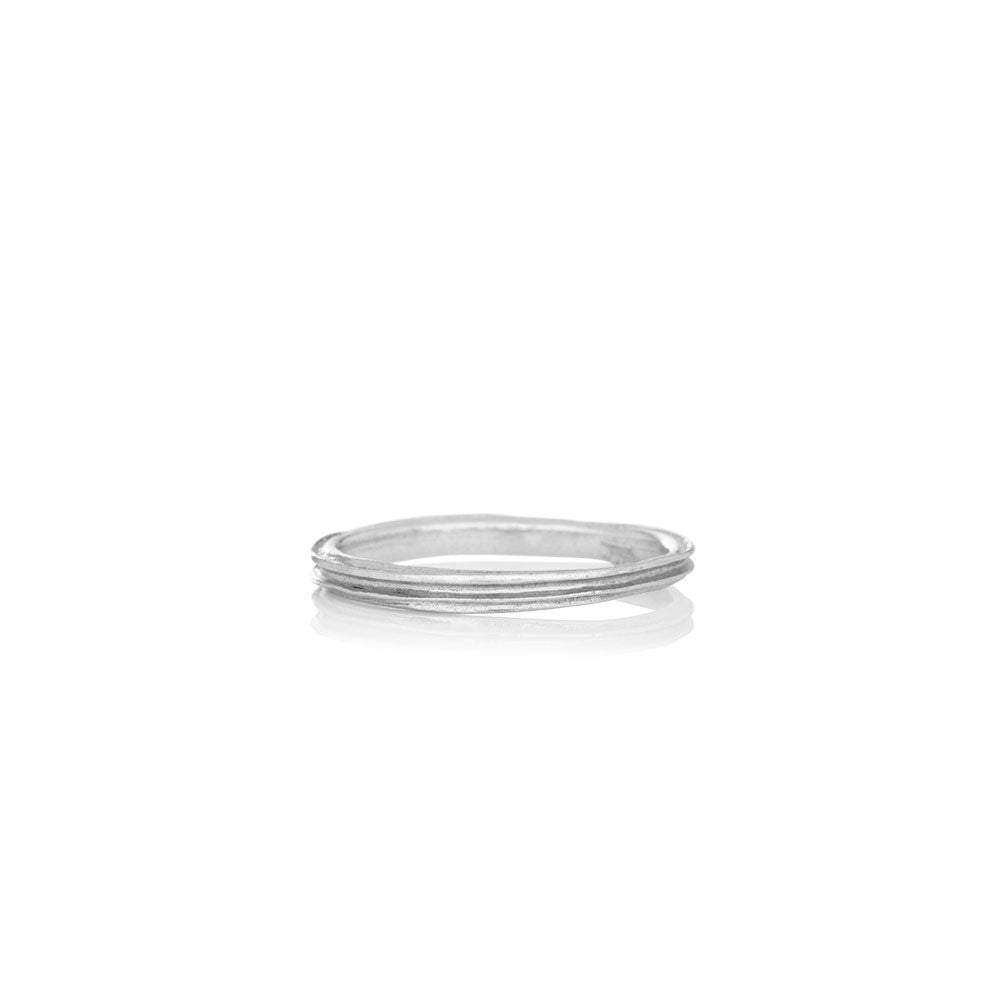 Women's solid white gold ring - WATERFALL