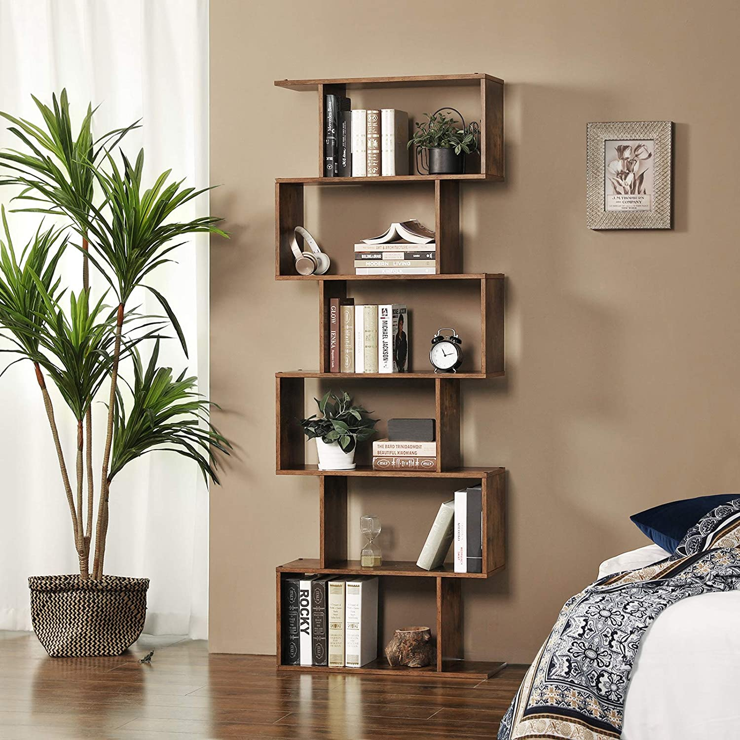 Modern Style Bookshelf  6 levels in wood in ambiance