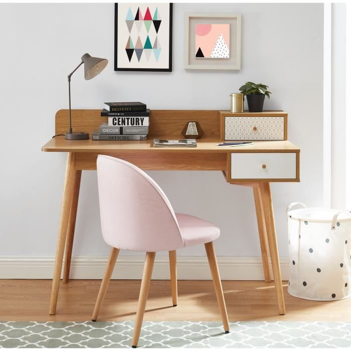 Scandinavian Desk with oak decor