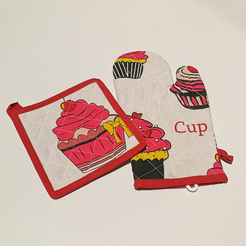 Cupcake Oven Mitt and Pot Holder Set