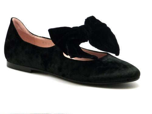 Beberlis black velvet Mary Jane with black velvet bow-Girls Shoes-BEBERLIS-Hopscotch Shoes Australia