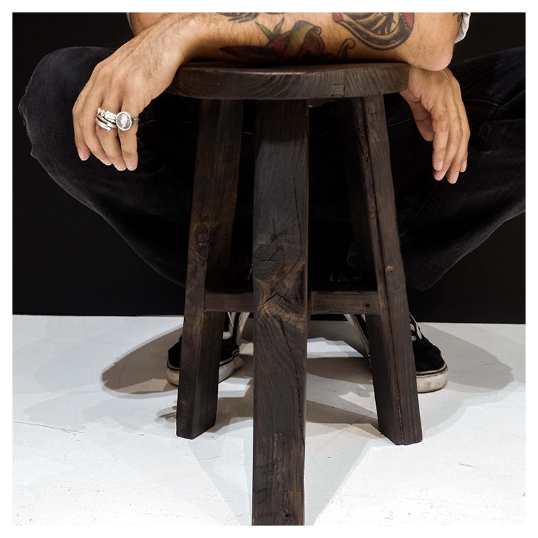 BLACK ROUND STOOL / LIMITED
