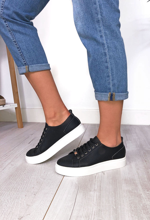 Fabs Jess Black Sneakers