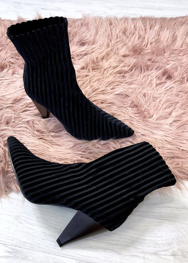Como Ribbed Sock Boots - Black