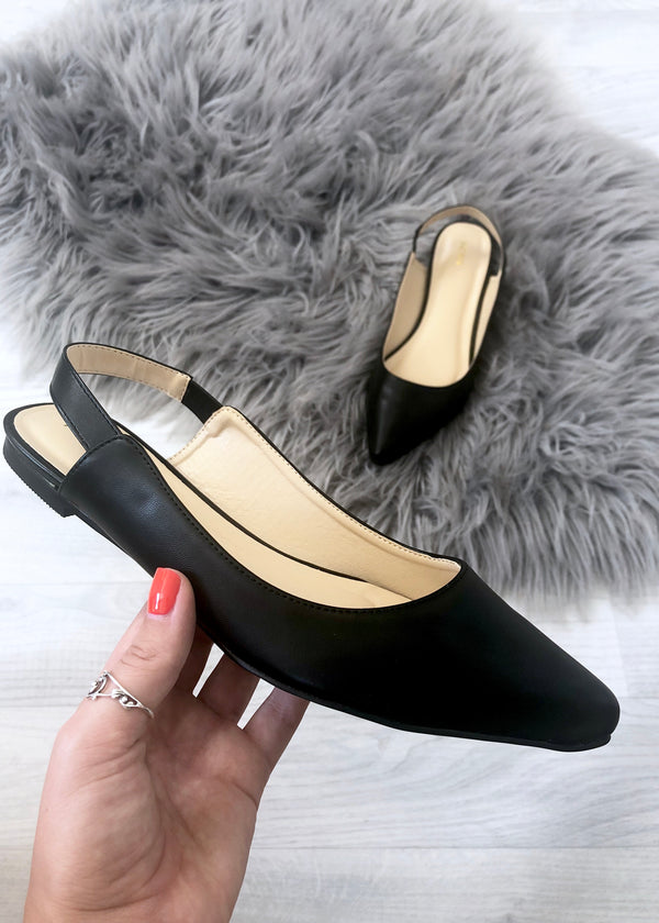 Merci Pointed Flat Shoes - Black
