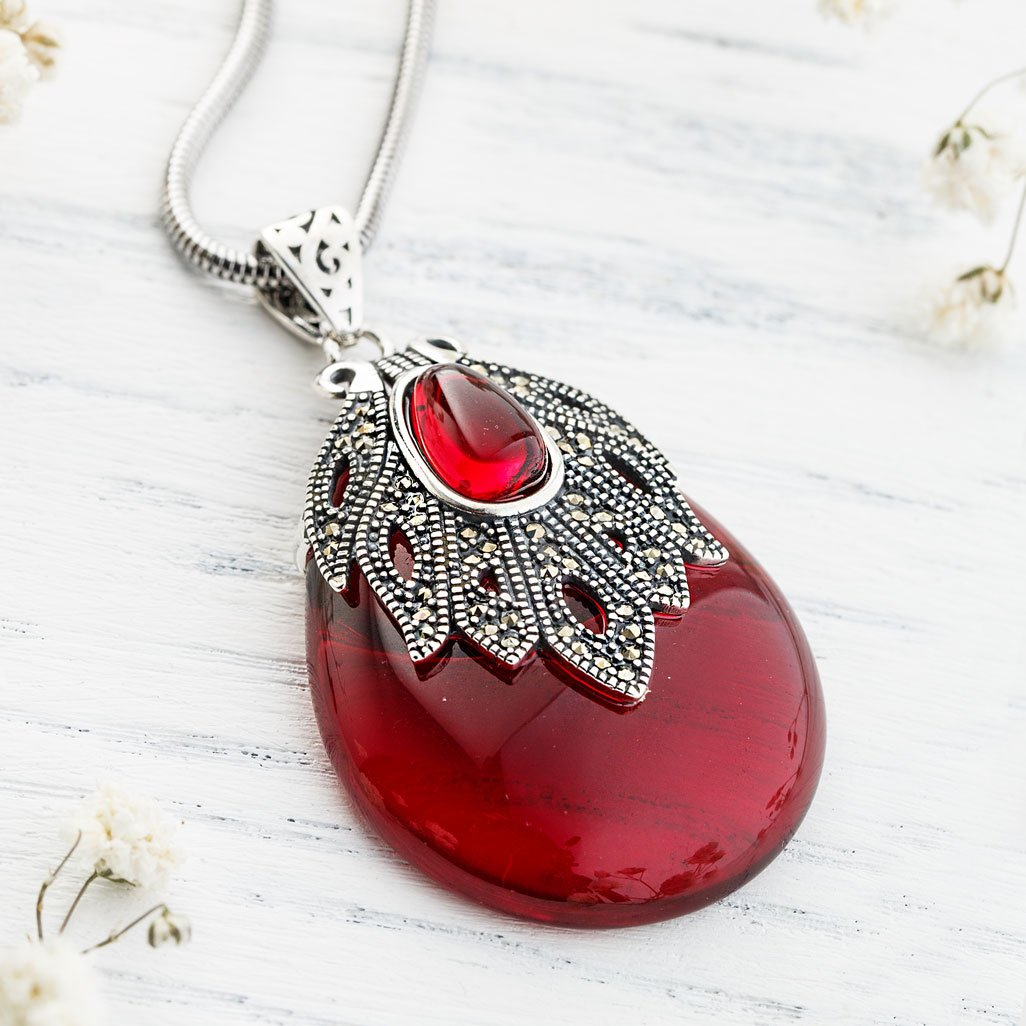 Bridging Natural Garnet Necklace