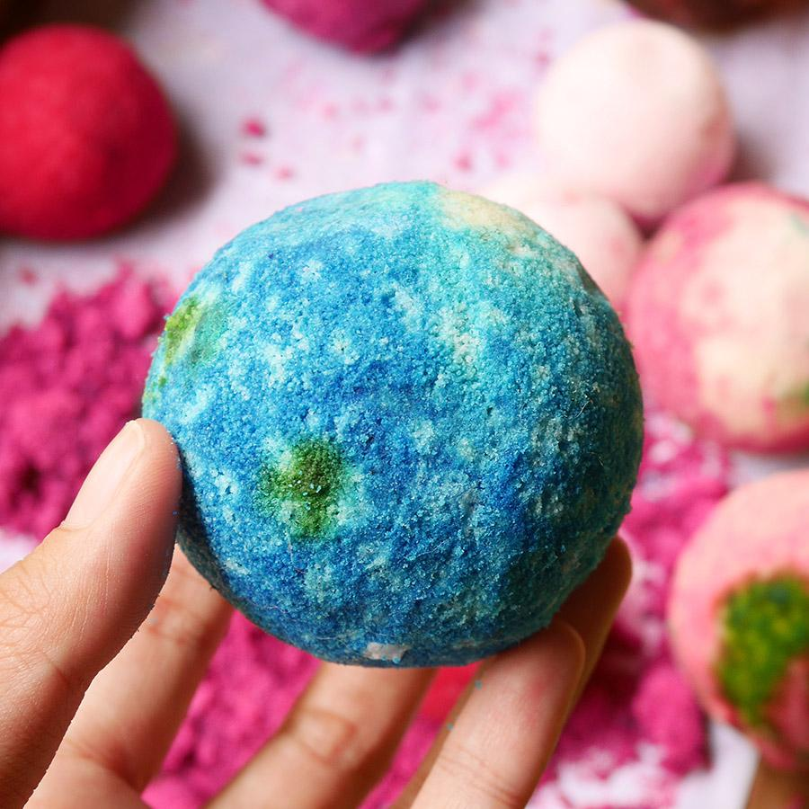 Deep Space Bath Bomb
