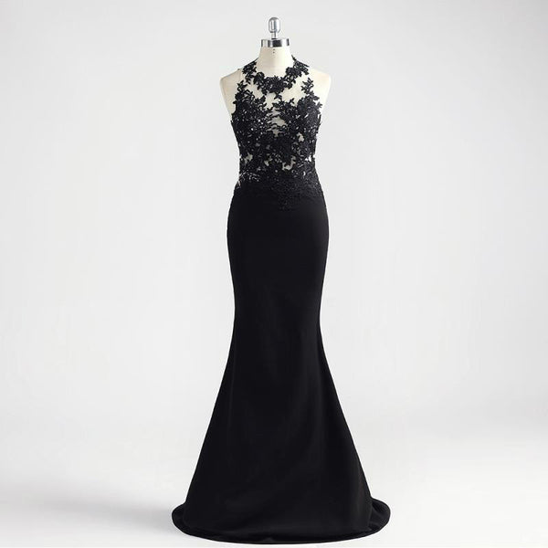 "<p style=""font-size: 18px;""><b>OPULENCE</b></p><p style=""color:grey"">BLACK LACE APPLIQUED BACKLESS MERMAID GOWN</p></p>"