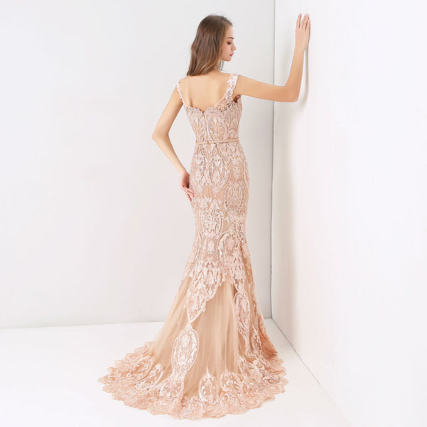 "<p style=""font-size: 18px;""><b>VINTAGE GEM</b></p><p style=""color:grey"">PEARL BEADED MERMAID GOWN</p>"