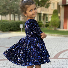 Girl's sparkling earring dress