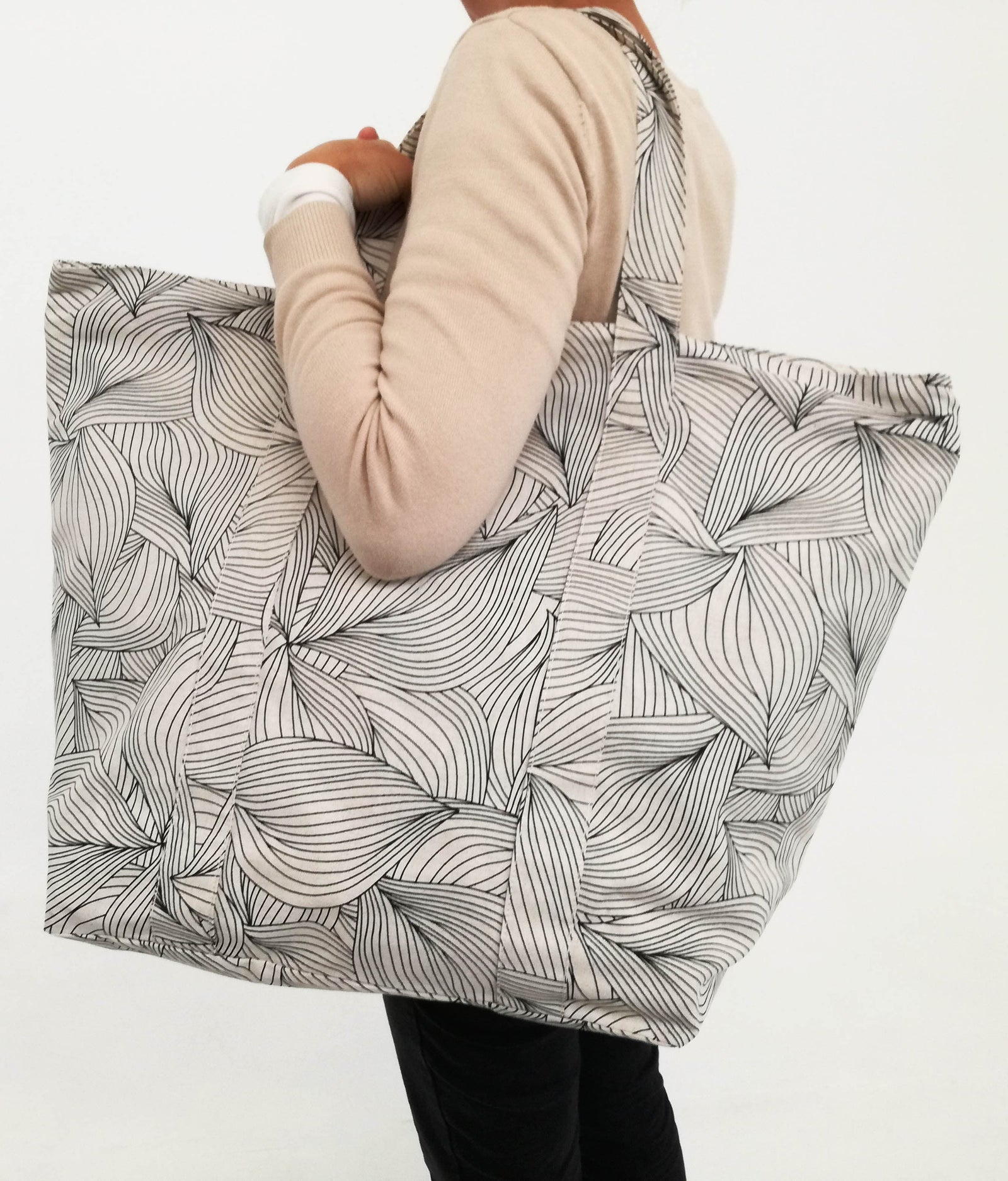 Leisure Bag Lilium Black