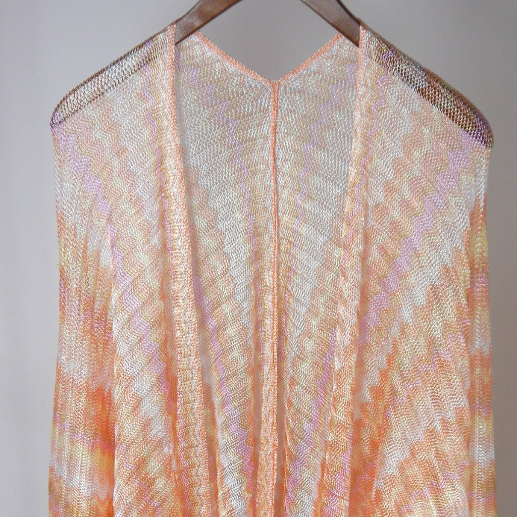 Missioni style patterned kaftan, pink shimmery.