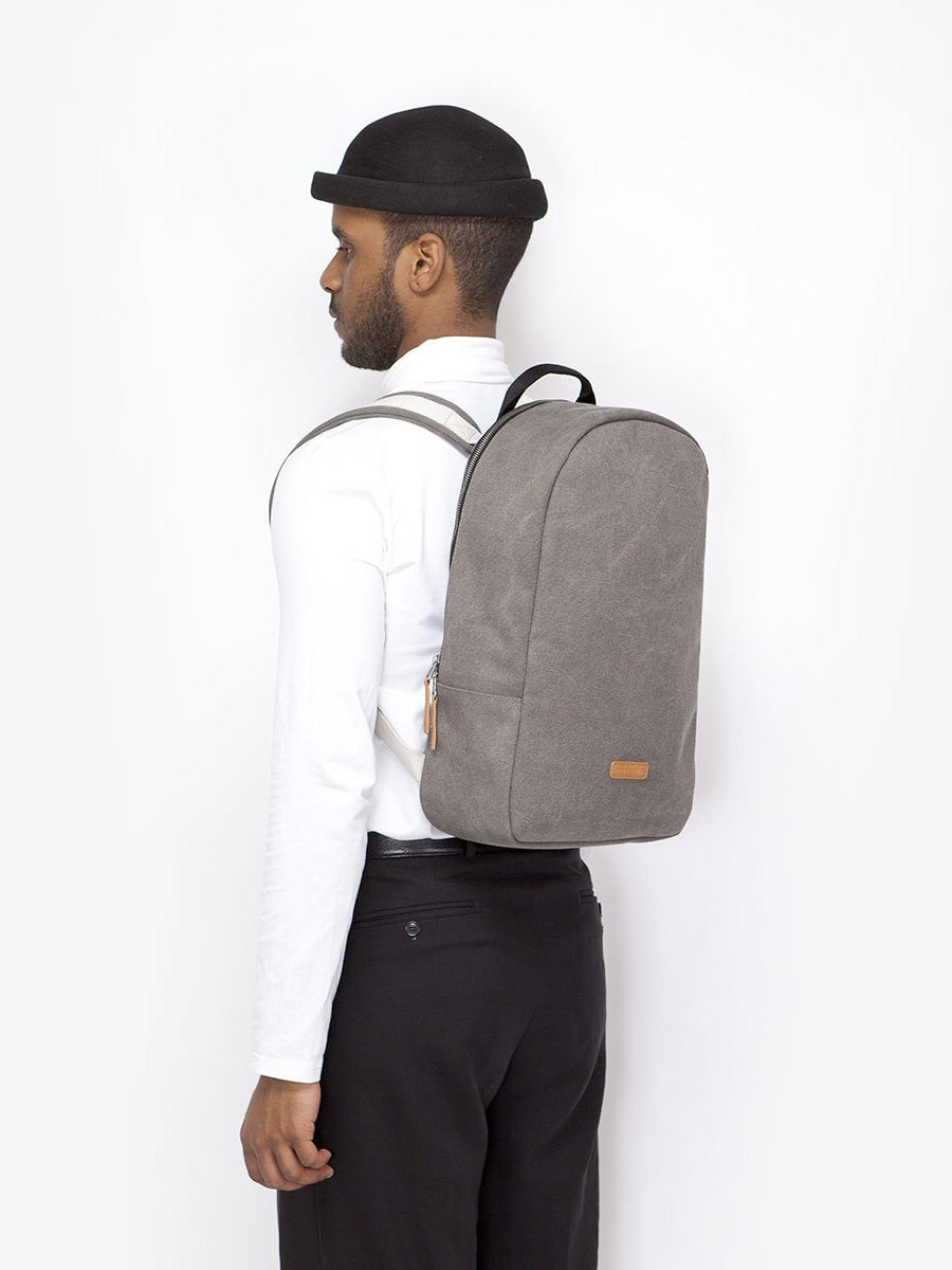 Marvin backpack minimalist look