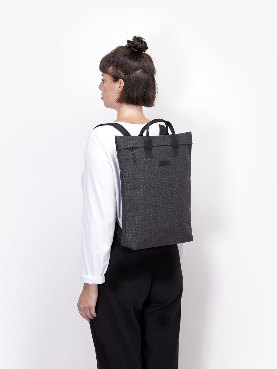 Till bag in its backpack configuration