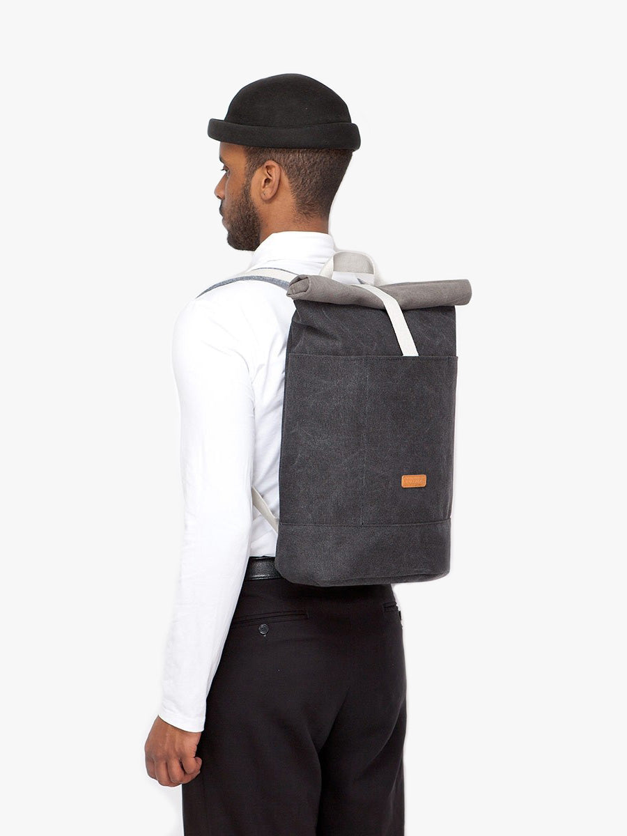 Hajo backpack has a capacity of 20l and widths only 890g